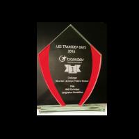 trophée verre bords rouge avec gravure laser