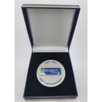 médaille inox brossé imprimée en couleur et son écrin de présentation