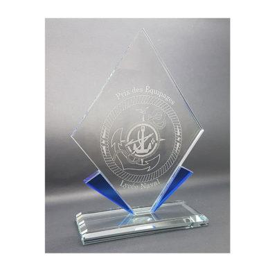 trophée gravé losange et bords bleu avec socle