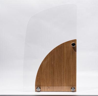 trophée bois bambou et plexiglass au verso