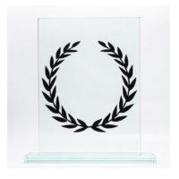 trophée en verre rectangle avec socle personnalisé d'une couronne en acrylique